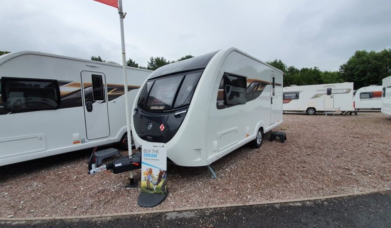 Swift Eccles 480 2020 with Lux Pack full