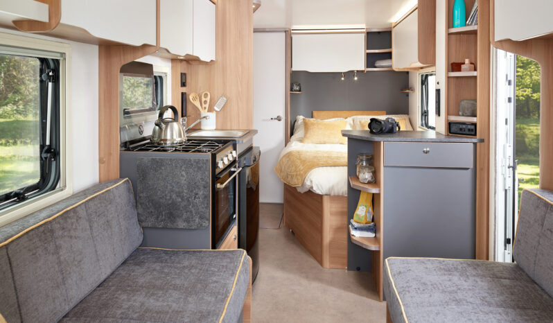 Bailey Discovery D4-4 2021 full